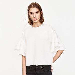 🆕Zara Woman Frilled Top in Ivory White